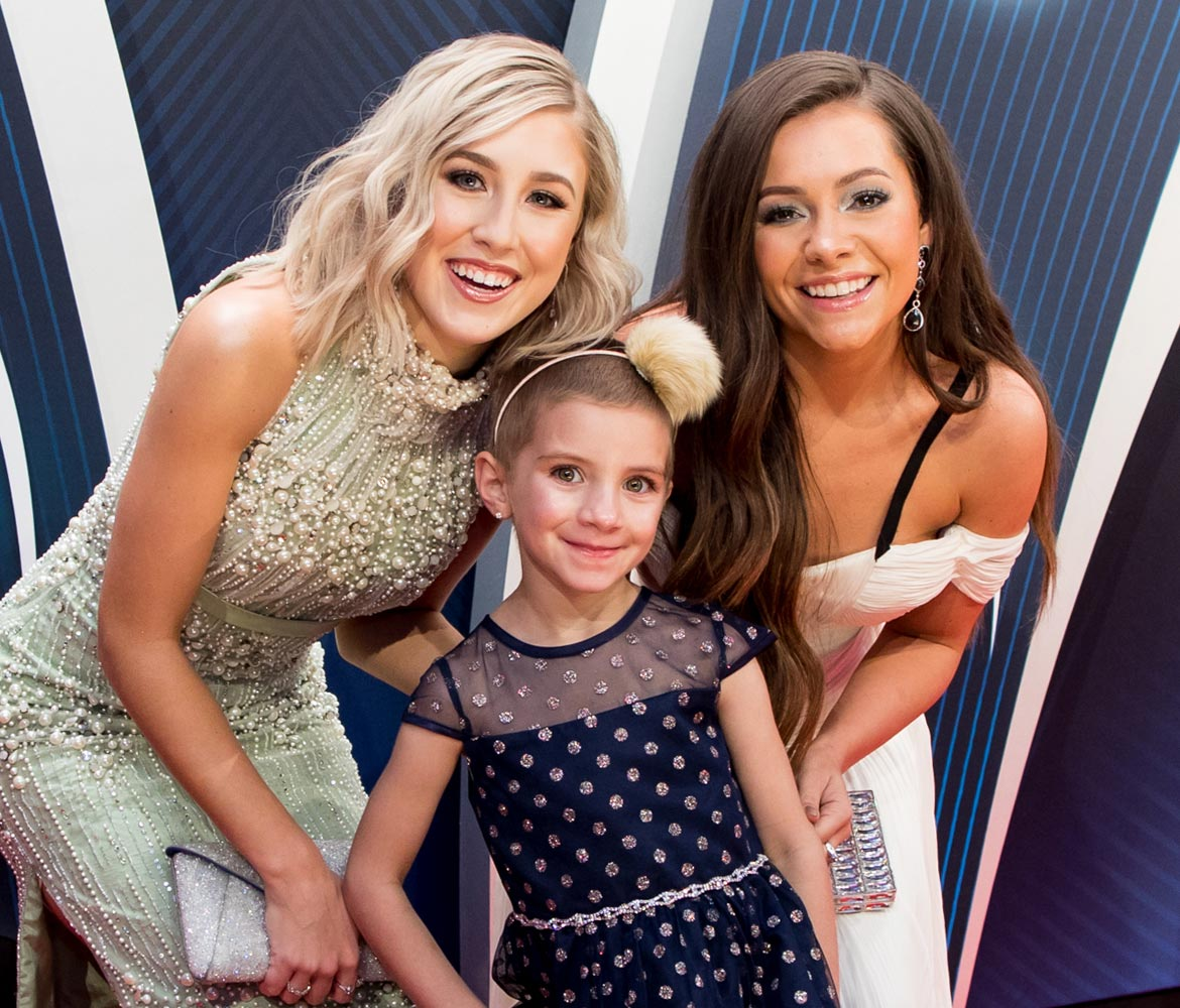 Children's Hospital patient Caroline Lantz has a special night with Maddie and Tae at the CMAs