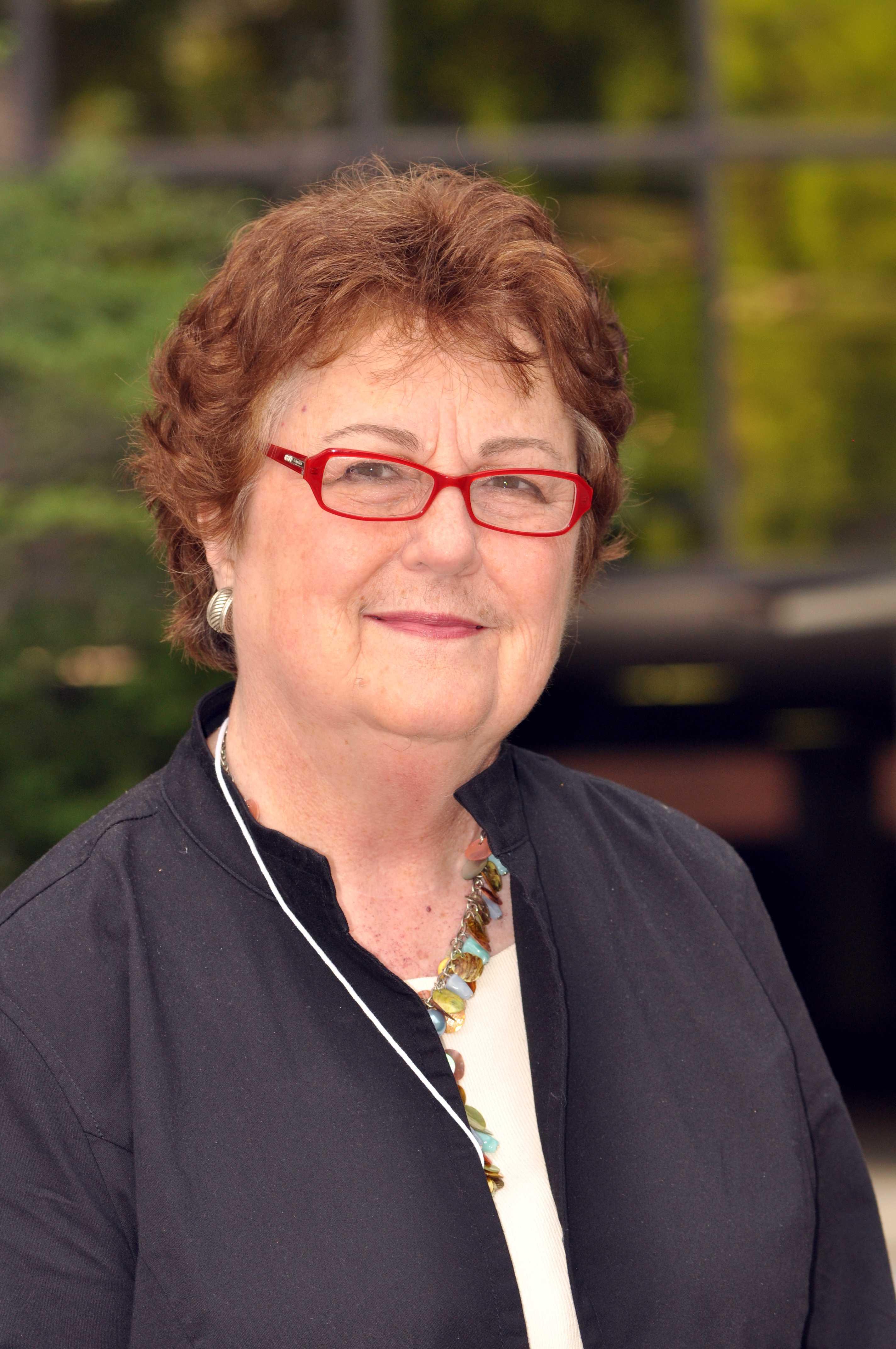Suzanne Ezell headshot