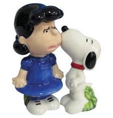 Lucy and snoopy salt pepper set