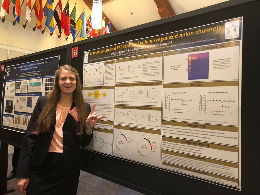 Shiloh presenting her work on swelling-activated chloride channels at Harvard University
